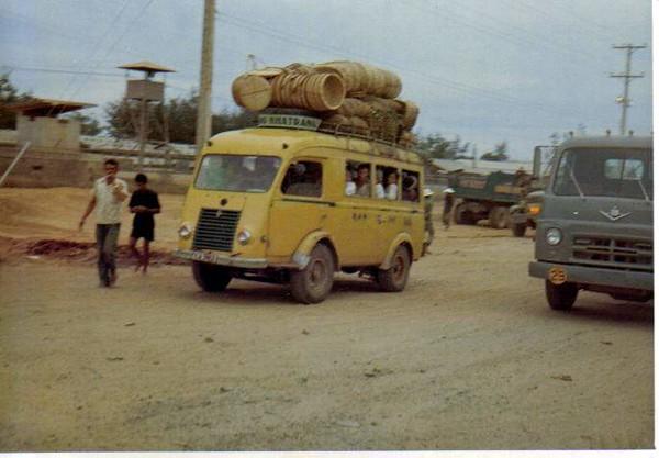 Vietnamese Taxi/Bus