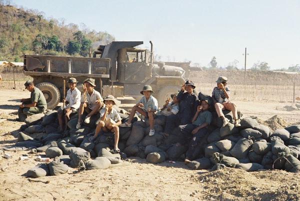 Kids Helping Fill Sandbags-Ta Kou 1971