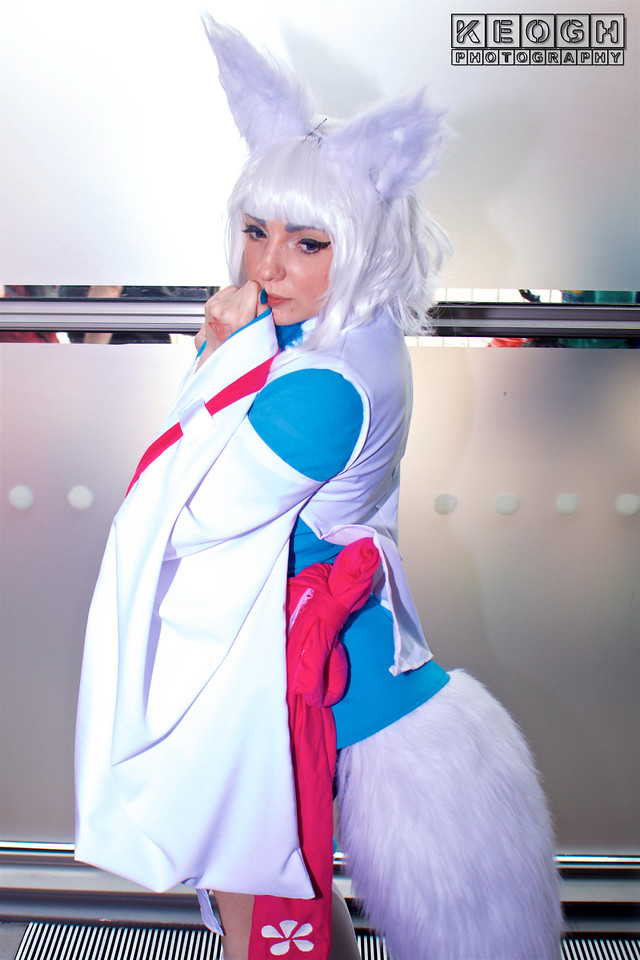 MCM Manchester Comic Con 2016, Cosplay, Cosplayer, Female, Manga, Anime, Novels, Tokyo Ravens, Kon, Top, Dress, Kimono, Rabit Ears, Tail, Shoes, White, Pink Blue, Wig