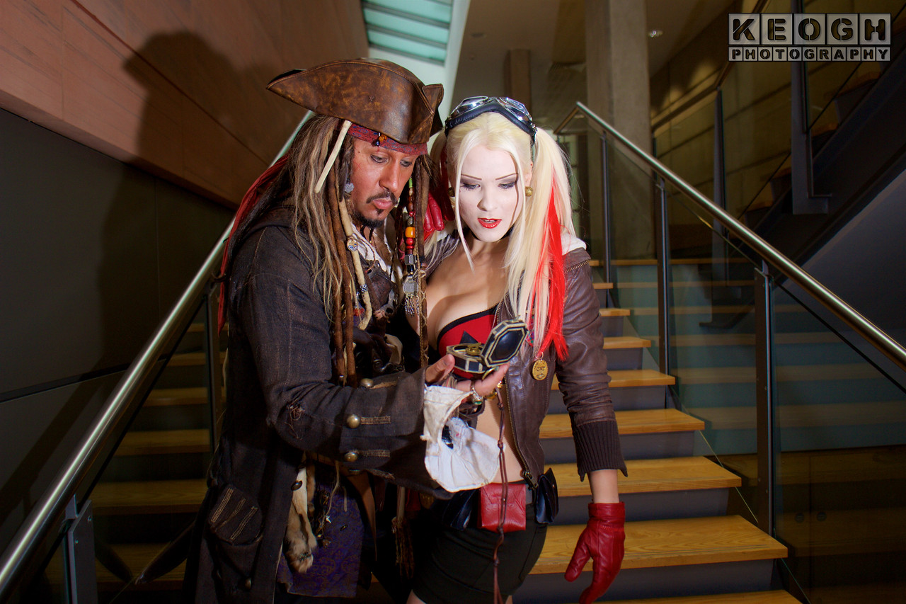 MCM Manchester Comic Con 2016, Cosplay, Cosplayer, Female, DC Comics, DC, Comics, Comics, TV, Animation, Video Games, Films, Harley Quinn, Harleen Quinzel, Batman, The Jocker, Suicide, Squad, DC Bombshells, Bra, Bikini, Shorts, Hot Pants, Gloves, Bomber Jacket, Goggles, Diamond, Leather, Utility Belt, Cork Gun, Pop Gun, Metal, Black, Red, Brown, White, Silver, Gold, Yellow, Male, Films, Pirates Of The Caribbean, Captain Jack Sparrow , Books, Video Games, Pirate, Anti-Hero, Steampunk, Dreadlocks, Hat, Pirates Hat, Bandanna, Jacket, Belt, Straps, Shirt, Gun, Compas, Chains, Jewellery, Pats, Boots, Vagabond, Brown, Leather, White, Red, Gold, Silver, Metal, Flint Lock Pistol