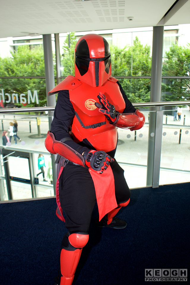 Mortal Kombat Sektor, Deadpool  MCM Manchester Comic Con 2016, Cosplay, Cosplayer, Male, Marvel, Marvel Comic, Midway Games, Film, Video Games, Comics, Mortal Kombat, Deadpool, Sektor, Mashup, Merc With A Mouth, Armour, Helmet, Gauntlets, Gloves, Boots, Body Armour, Star Wars, Clone Trooper, Lucas Film, Black, Red, Gold
