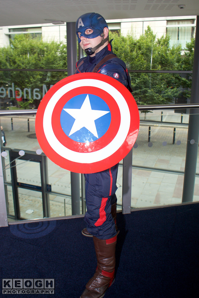 MCM Manchester Comic Con 2016, Cosplay, Cosplayers, Male, Female, Marvel Comics, Marvel, Comics, Film, TV, Video Games, The Avengers, Captain America, Winter Soldier, Armour, Jump Suit, Pants, Top, Boots, Back Pack, Shield, Stars, Blue, White, Red, Brown, Black, Blue