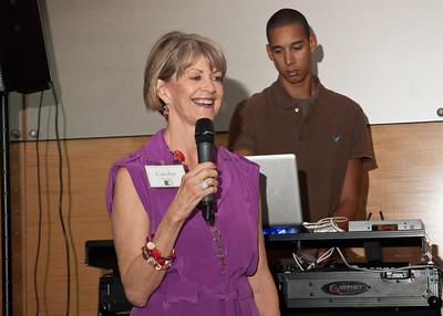 Carolyn Nicolosi welcoming everyone to the fifth consecutive USF College of Medicine reunion.