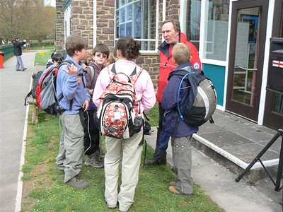 Pre event safety briefing my 'Exmoor Moutain Rescue', ps I think they would like to have a mountain in Exmoor if there are any going spare, 622m would be cool, 1m higher than Dartmoor