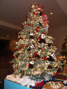 panda Christmas tree at the National Zoo