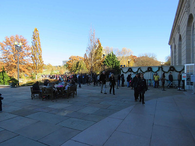 the long line of people waiting to get into the holiday train display at the US Botanic Garden