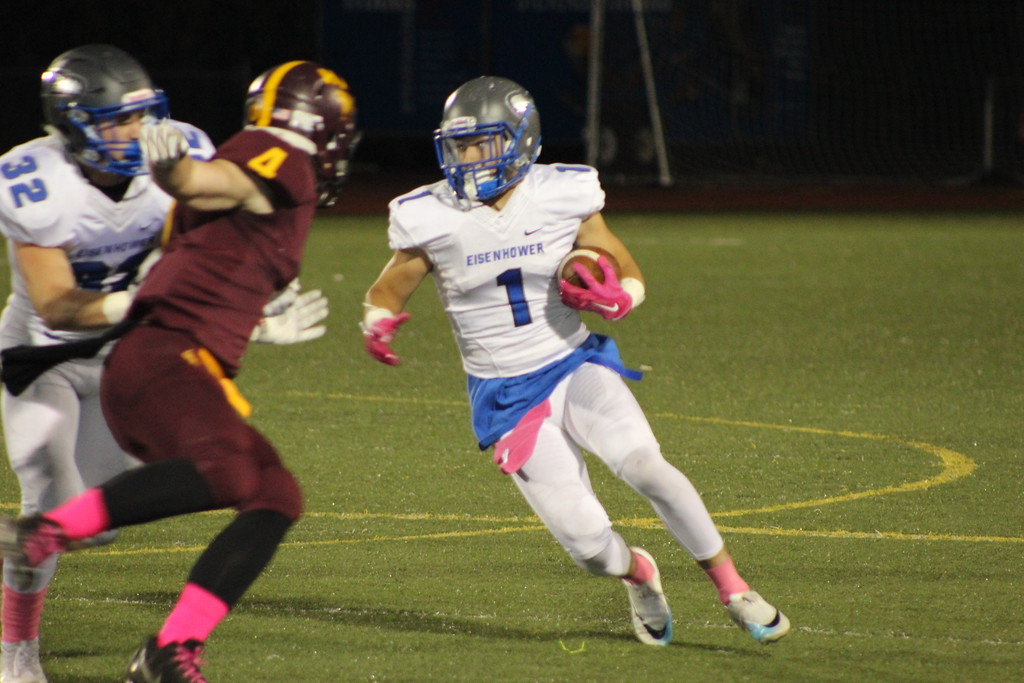 . Eisenhower\'s Assad Bujaidar looks for running room during its game against Ford II on Oct. 20, 2017. (Photo gallery by Kevin Lozon)