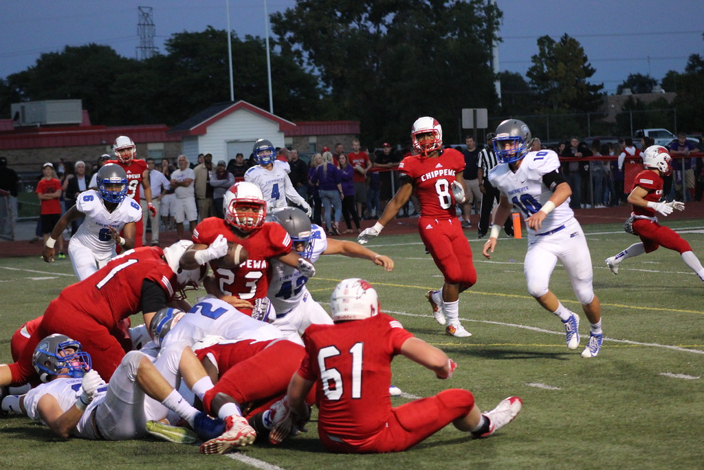 . Eisenhower vs. Chippewa Valley in a  MAC Red Division game on Sept. 15, 2017. (Galllery by Kevin Lozon)