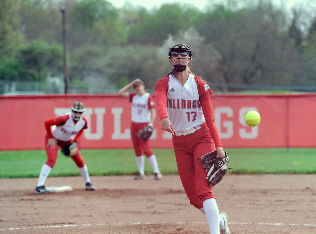 . Grace Opalewski (17) of Romeo throws a pitch during the match between Romeo and Richmond  on May 13, 2018. MACOMB DAILY PHOTO GALLERY BY DAVID DALTON