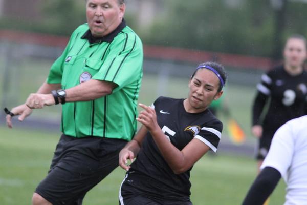 MD - Sterling Heights vs Roseville girls soccer