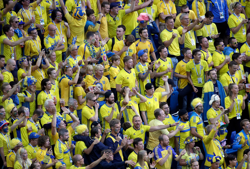 . Sweden fans celebrate after Sweden\'s Emil Forsberg scoring his side\'s opening goal during the round of 16 match between Switzerland and Sweden at the 2018 soccer World Cup in the St. Petersburg Stadium, in St. Petersburg, Russia, Tuesday, July 3, 2018. (AP Photo/Dmitri Lovetsky)