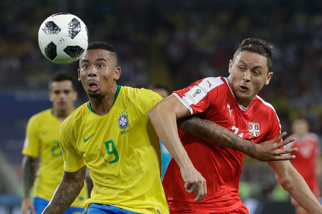 . Brazil\'s Gabriel Jesus, left, fights for the ball with Serbia\'s Nemanja Matic during the group E match between Serbia and Brazil, at the 2018 soccer World Cup in the Spartak Stadium in Moscow, Russia, Wednesday, June 27, 2018. (AP Photo/Matthias Schrader)
