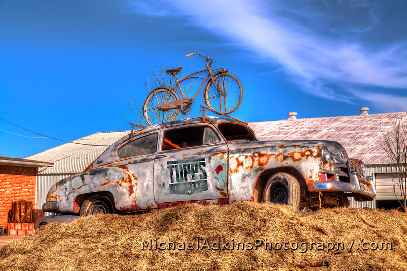 TUPPS-Rusty-Car-1-TUPPSLOGO-MAP