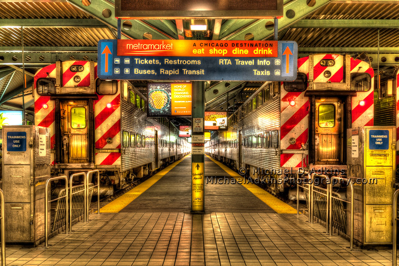 Ogilvie Train Station, Downtown Chicago