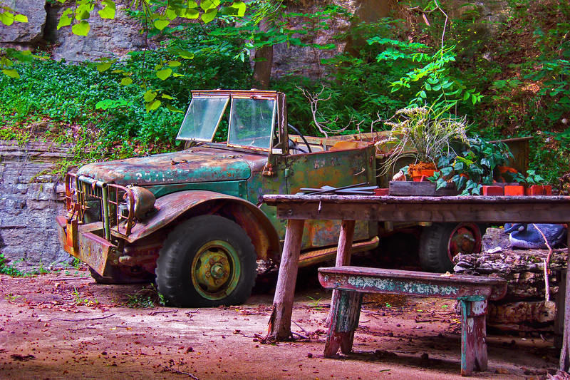 Eureka-Springs-Rusty-Jeep