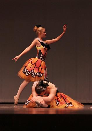 22 Ballet-Torn