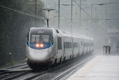 Acela Express in a heavy downpour at BWI.