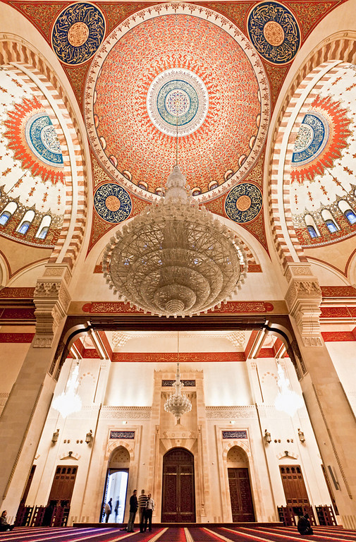 Hariri's Mosque is a grand project, meticulously and elaborately decorated with a ceiling that imparts a feeling of loftiness even higher than the skies outside. And still the design feels overly calculated, perhaps even artificial, this is a building whose every inch was intended to impress.
