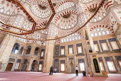 Sabancı Merkez Camii interior.