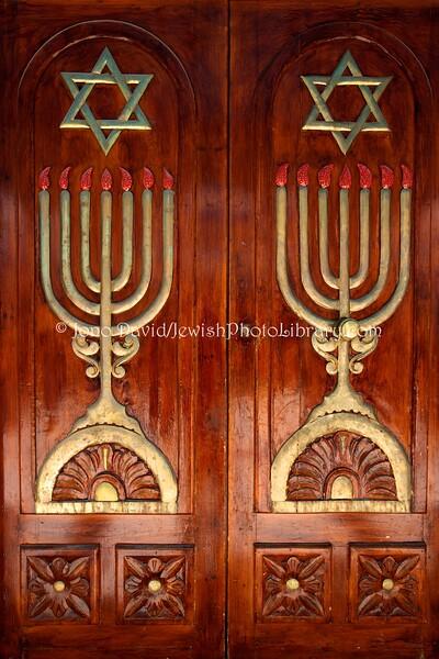 TN 1111  Doors, Synagogue Trabelsia  Hara Kebira, Djerba, Tunisia