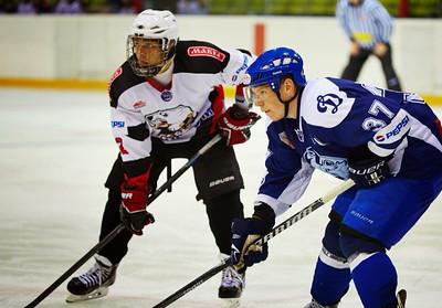 Нападающий челябинской молодежной команды МХЛ Белые медведи Иван Безруков рассказал в интервью 74hockey.ru о предсезонных сборах в Белоруссии.