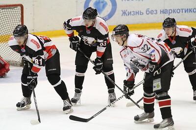 Молодежная челябинская команда МХЛ Белые медведи проиграла в заключительном матче на домашнем турнире Тюменскому легиону со счетом 2:4