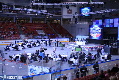 Накануне в Санкт-Петербурге состоялся матч, в котором сыграли между собой юниоры западной и восточной конференций.