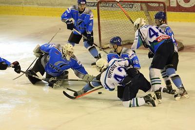 В первенстве Молодежной хоккейной лиги челябинский Мечел второй раз подряд обыграл Батыр из Нефетекамска, причем снова со счетом 3:2