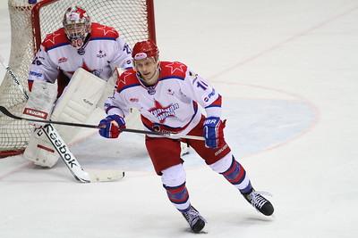 В финальной серии Кубка Харламова московские команды Красная армия и МХК Спартак сыграют семь матчей.