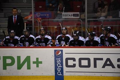 Челябинская молодежная команда МХЛ Белые медведи проиграла Тюменскому легиону по буллитам со счётом 0:1.