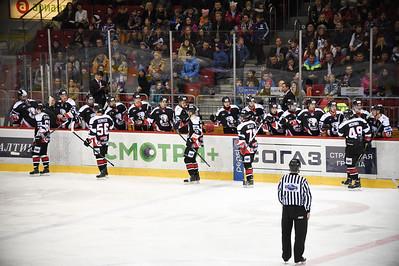 Челябинская молодежная команда МХЛ Белые медведи выиграла два матча в Нижнекамске у местного Реактора.