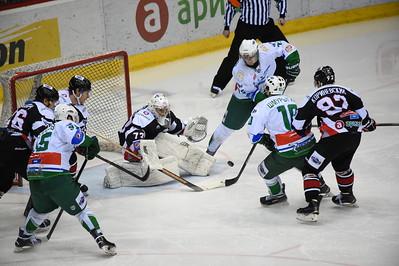 Челябинская молодежная команда МХЛ Белые медведи выиграла у уфимского Толпара со счётом 6:2.