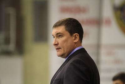 Главный тренер челябинской молодежной команды МХЛ Белые медведи Анвар Гатиятулин прокомментировал первый официальный матч в новом сезоне.