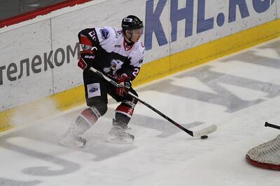 Челябинская молодёжная команда МХЛ Белые медведи уступила по буллитам со счётом 4:5 в Нижнекамске местному Реактору.
