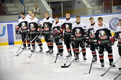 Челябинская молодёжная команда МХЛ Белые медведи потерпела одно поражение и одержала одну победу в Тюмени.