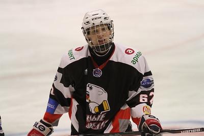 Челябинская молодёжная команда МХЛ Белые Медведи поиграла в Нижнем Новгороде местной Чайке со счётом 3:6.