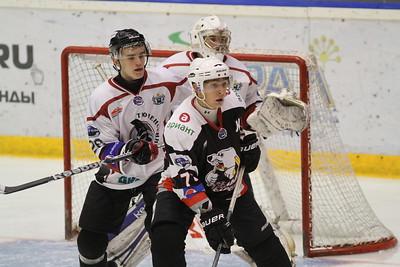 Челябинская молодёжная команда МХЛ Белые медведи выиграла у Тюменского легиона со счётом 4:3 в заключительном матче Турнира памяти.