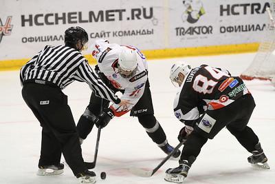 Челябинская молодёжная команда МХЛ Белые медведи проиграла на своём льду Омским ястребам со счётом 1:3.