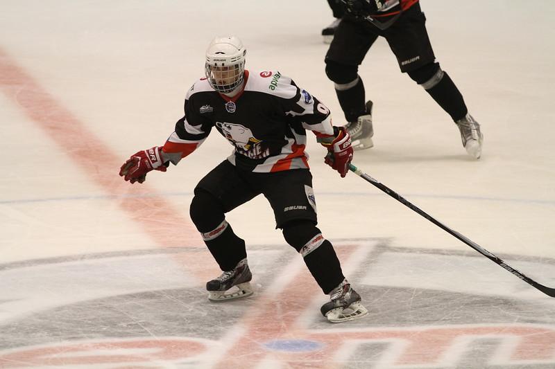 В Челябинске продолжается турнир, посвященный памяти погибших хоккеистов школы Трактор и ветеранов клуба.
