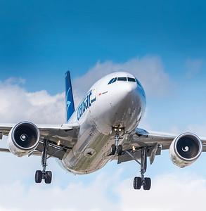 John Chung, A310, Air Transat