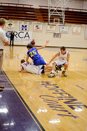 2011 MHS BOYS BB vs SIUSLAW