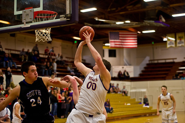 2012 MHS BOYS BB vs SE