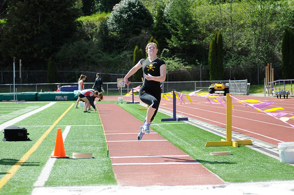 2013 MHS TRACK vs THURSTON