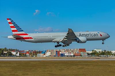 American Airlines Boeing 777-323(ER) N724AN 1-23-21