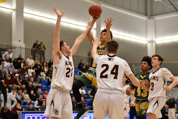 MIAA D-II boys basketball state semifinals: Taconic vs. Shepherd Hill at Worcester State University - 031418