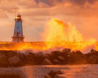 MICHIGAN LIGHTHOUSES GOLDEN HOUR