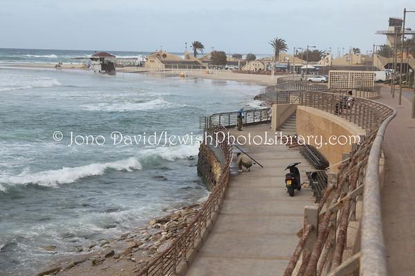 ISRAEL, Netanya. Beach. (3.2010)