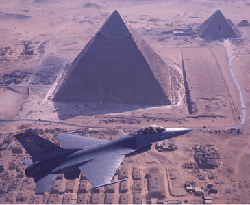 F-16 from Hill AFB over Pyramids at Giza