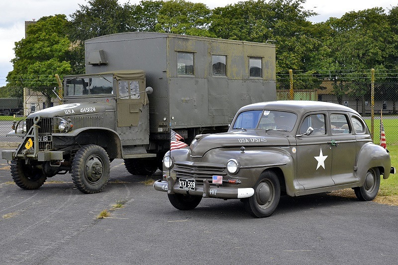 XYJ 599 PLYMOUTH STAFF CAR 1945