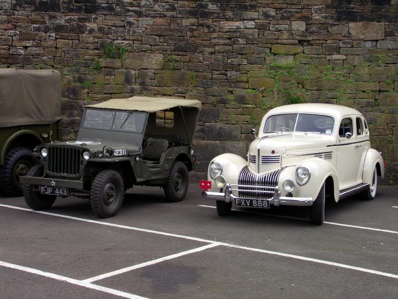 CHRYSLER 1939 & WILLYS JEEP